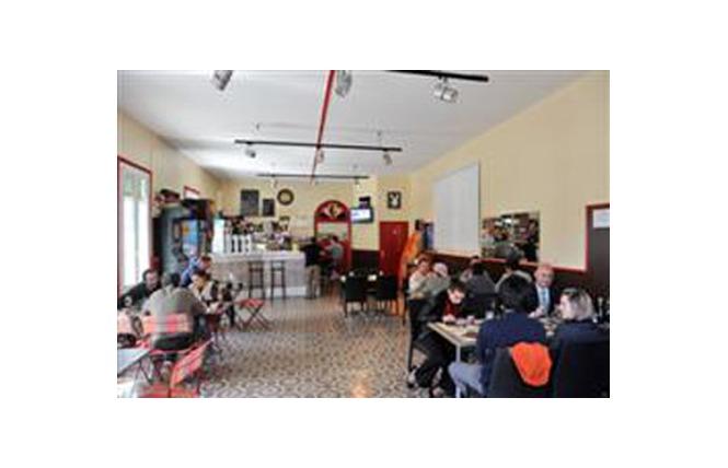 LE CAFE DE LA PLACETTE 1 - Maury